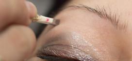 Augenbrauen richtig zupfen – Anleitung