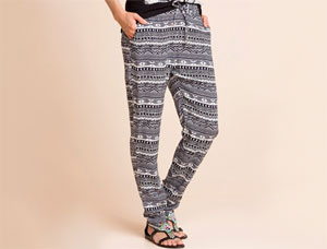 tom tailor damen hose printed loose fit pants blau real. Black Bedroom Furniture Sets. Home Design Ideas