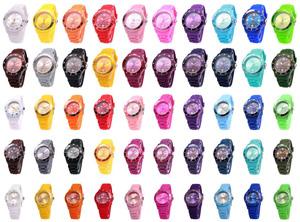 Silikon Armbanduhr verschiedene Farben nur 5,99 € (3 kaufen, die 4. geschenkt)