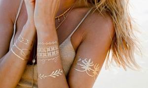 Tattoo Körper Sommer Metallic