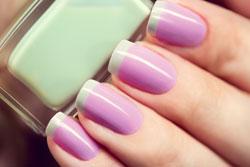Zwei-Farben-Nägel